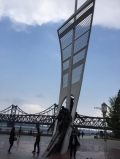An der Flusspromenade...